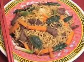 Chinese Stir Fried Instant Noodles With Beef
